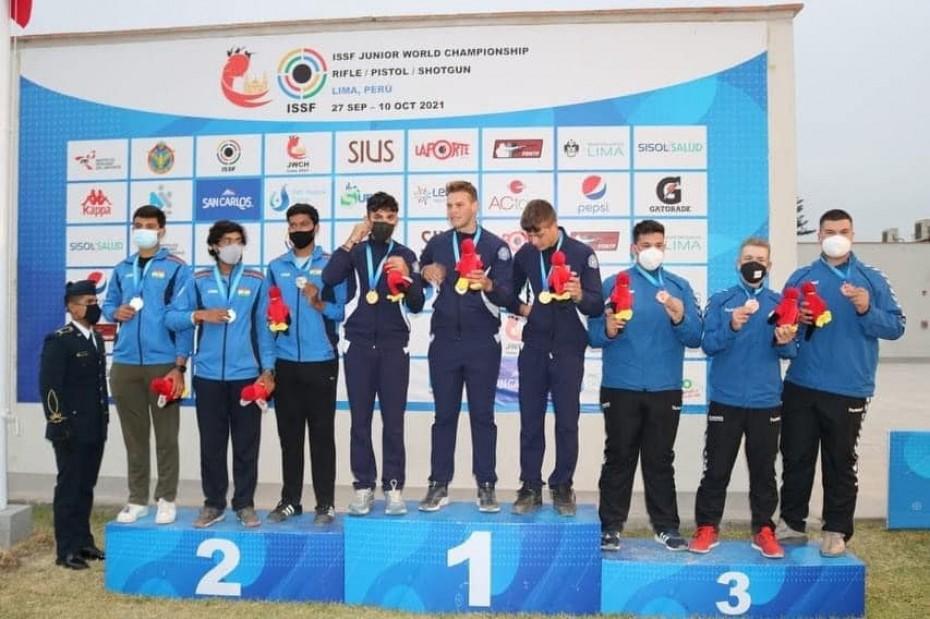 Medaila strelcov z Peru, víťazstvá basketbalistiek ŠKP BB či ukončenie slalomárskej sezóny